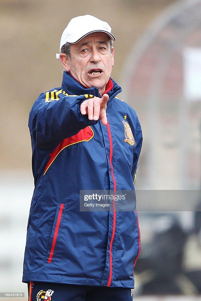 Head coach Angel Vilda of Spain gestures during the Women's UEFA U19 Euro Qualification match between U19 Germany and U19 Spain at Waldstadion in Viernheim on April 4, 2013 in Viernheim, Germany.