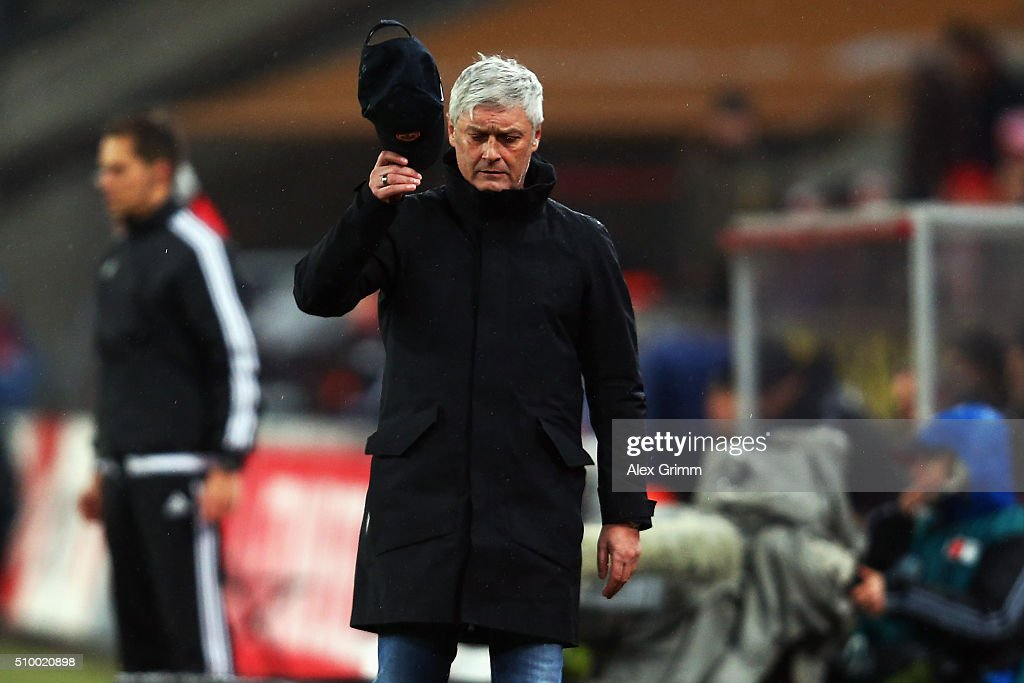 Head coach Armin Veh of Frankfurt reacts during the Bundesliga match between 1. FC Koeln and Eintracht Frankfurt at RheinEnergieStadion on February 13, 2016 in Cologne, Germany.