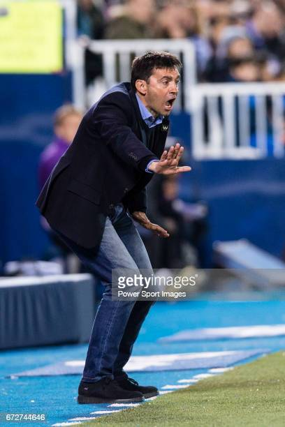 Head coach Asier Garitano of Deportivo Leganes in action during their La Liga match between Deportivo Leganes and Real Madrid at the Estadio...