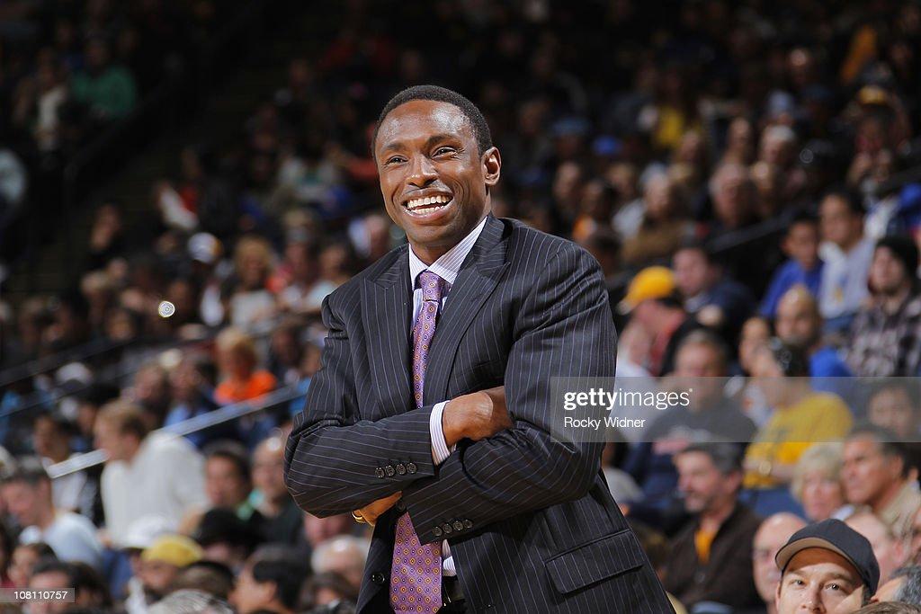 New Jersey Nets v Golden State Warriors