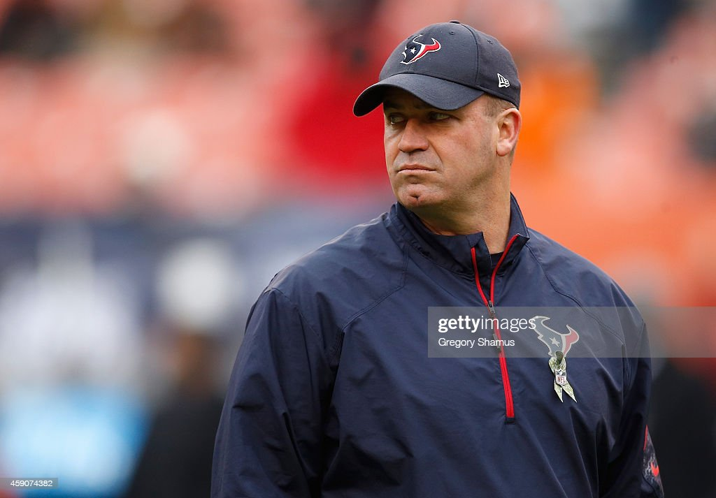 Head coach Bill O'Brien of the Houston Texans looks on during warmups prior to the game against the Cleveland Browns at FirstEnergy Stadium on...