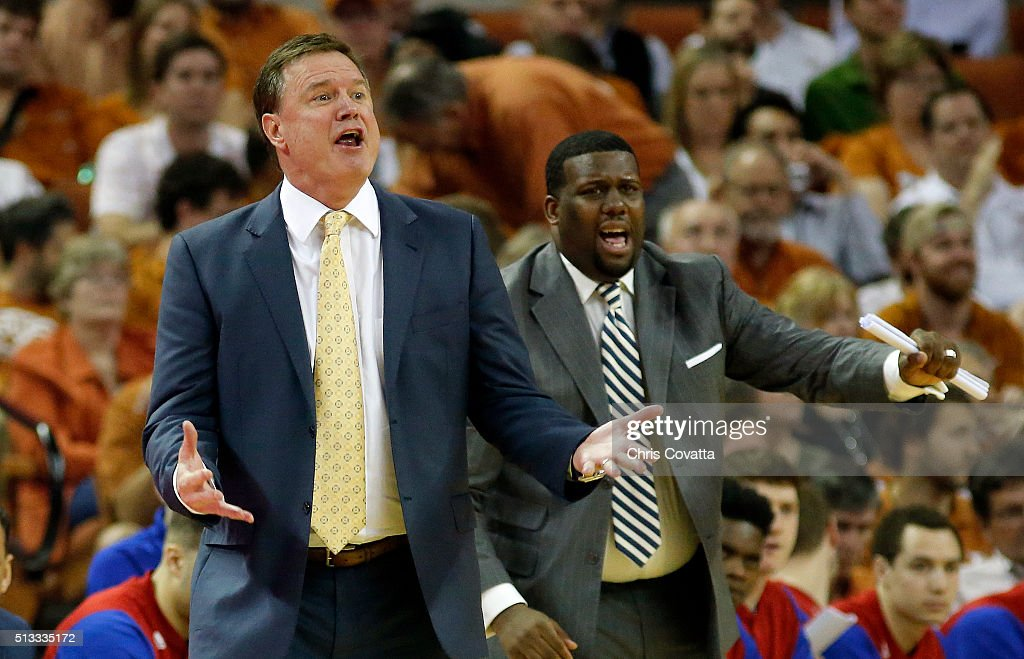 Head coach <a gi-track='captionPersonalityLinkClicked' href=/galleries/search?phrase=Bill+Self+-+Allenatore&family=editorial&specificpeople=228699 ng-click='$event.stopPropagation()'>Bill Self</a> of the Kansas Jayhawks reacts as his team plays the Texas Longhorns at the Frank Erwin Center on February 29, 2016 in Austin, Texas.