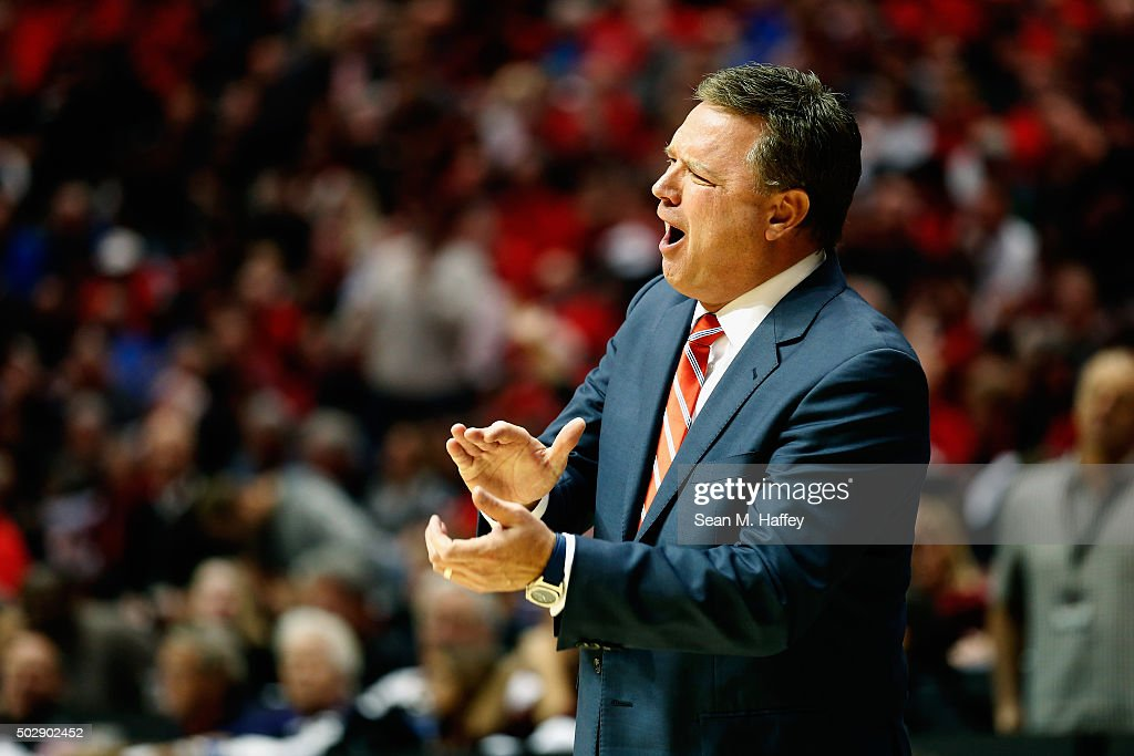Head coach <a gi-track='captionPersonalityLinkClicked' href=/galleries/search?phrase=Bill+Self+-+Allenatore&family=editorial&specificpeople=228699 ng-click='$event.stopPropagation()'>Bill Self</a> of the Kansas Jayhawks reacts during the second half of a game against the San Diego State Aztecs at Viejas Arena on December 22, 2015 in San Diego, California.