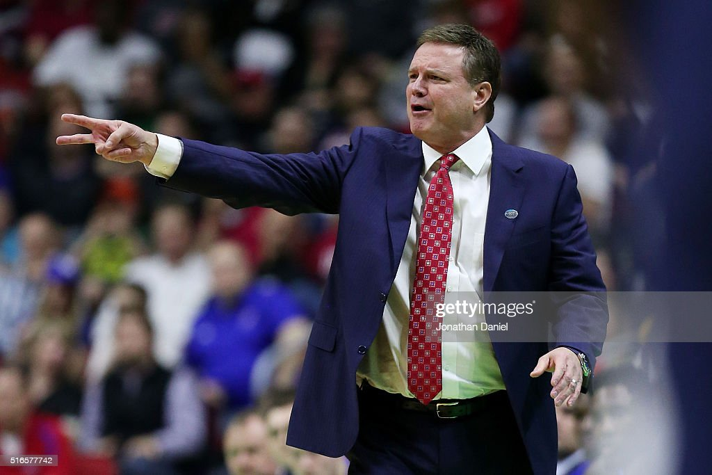 Head coach <a gi-track='captionPersonalityLinkClicked' href=/galleries/search?phrase=Bill+Self+-+Allenatore&family=editorial&specificpeople=228699 ng-click='$event.stopPropagation()'>Bill Self</a> of the Kansas Jayhawks reacts in the first half against the Connecticut Huskies during the second round of the 2016 NCAA Men's Basketball Tournament at Wells Fargo Arena on March 19, 2016 in Des Moines, Iowa.
