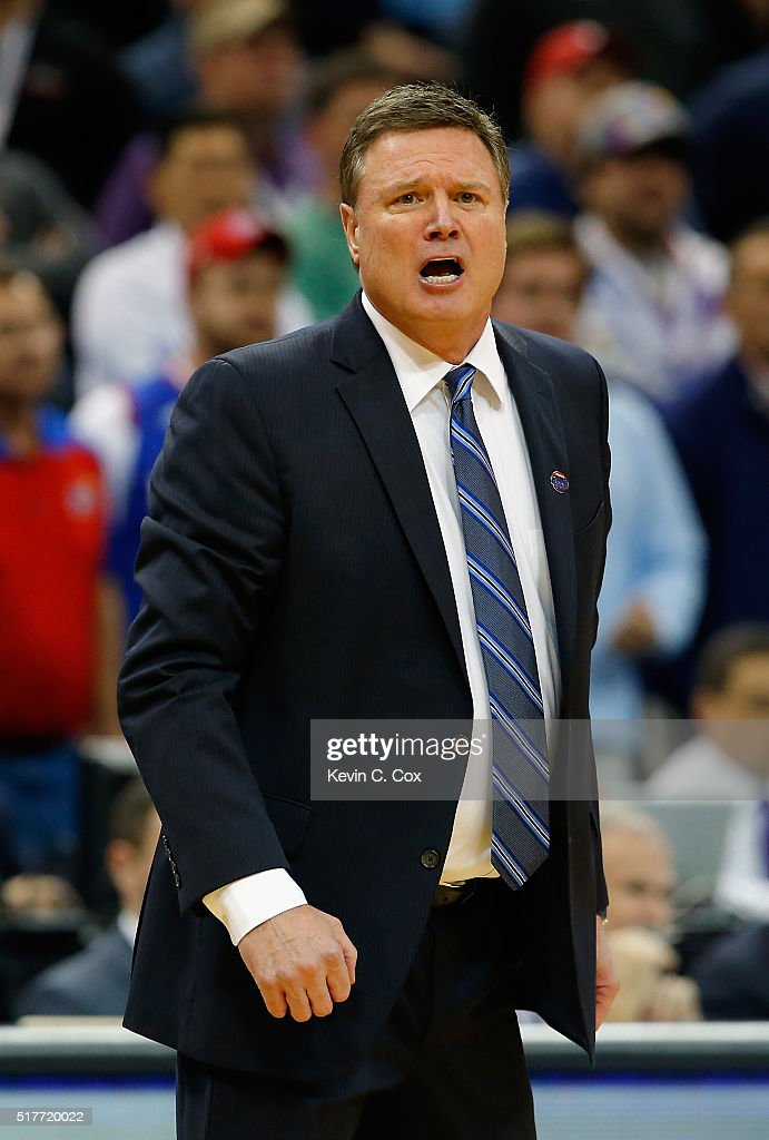 Head coach <a gi-track='captionPersonalityLinkClicked' href=/galleries/search?phrase=Bill+Self+-+Allenatore&family=editorial&specificpeople=228699 ng-click='$event.stopPropagation()'>Bill Self</a> of the Kansas Jayhawks reacts in the second half against the Villanova Wildcats during the 2016 NCAA Men's Basketball Tournament South Regional at KFC YUM! Center on March 26, 2016 in Louisville, Kentucky.