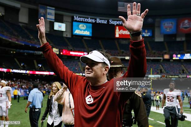 Head coach Bob Stoops celebrates after defeating the Alabama Crimson Tide 4531 in the Allstate Sugar Bowl at the MercedesBenz Superdome on January 2...