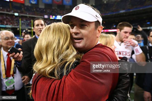 Head coach Bob Stoops of the Oklahoma Sooners celebrates after defeating the Crimson Tide 4531 during the Allstate Sugar Bowl at the MercedesBenz...