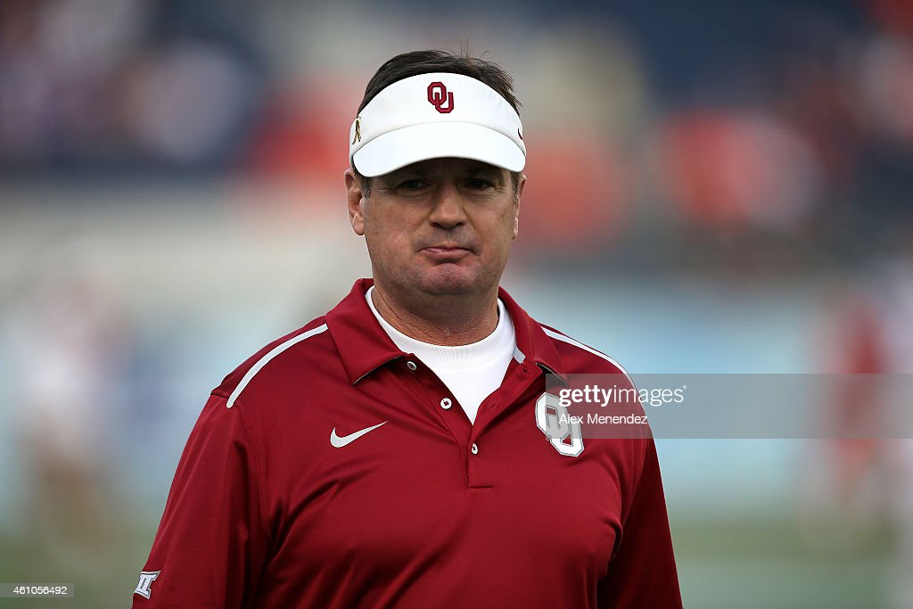 Head coach <a gi-track='captionPersonalityLinkClicked' href=/galleries/search?phrase=Bob+Stoops&family=editorial&specificpeople=241307 ng-click='$event.stopPropagation()'>Bob Stoops</a> of the Oklahoma Sooners is seen during the NCAA Russell Athletic Bowl between the Clemson Tigers and the Oklahoma Sooners on December 29, 2014 in Orlando, Florida. Clemson won the game by a score of 40-6.