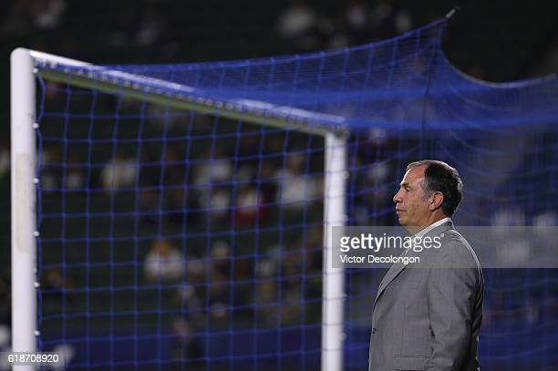 Head Coach Bruce Arena of the Los Angeles Galaxy looks on during warmup prior to the Western Conference Knockout Round of the Audi 2016 MLS Cup...