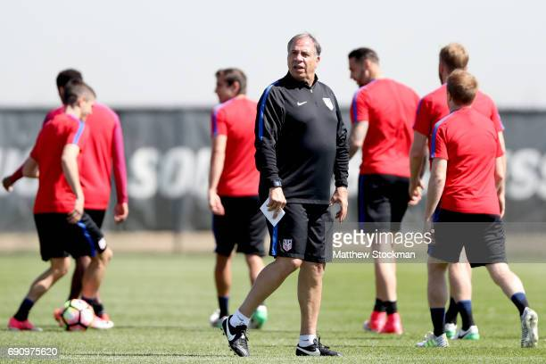 Head coach Bruce Arena walks on the pitch at the beginning of a training session of the US Men's National Team at Dick's Sporting Goods Park on May...