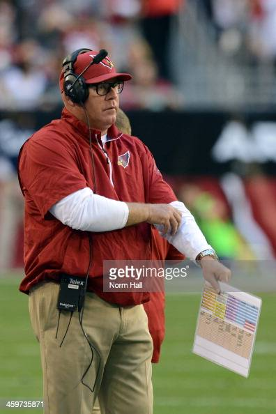 Head coach Bruce Arians of the Arizona Cardinals looks on against the San Francisco 49ers during a game at University of Phoenix Stadium on December...