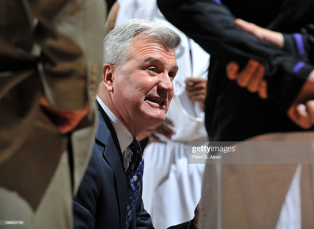Head coach Bruce Weber of the Kansas State Wildcats talks with his team during a time-out against the Missouri-Kansas City Kangaroos in the second half on December 29, 2012 at Bramlage Coliseum in Manhattan, Kansas. Kansas State defeated Missouri-Kansas City 52-44.