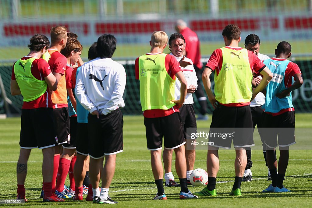 Head coach <a gi-track='captionPersonalityLinkClicked' href=/galleries/search?phrase=Bruno+Labbadia&family=editorial&specificpeople=653790 ng-click='$event.stopPropagation()'>Bruno Labbadia</a> talks to the players during a VfB Stuttgart training session at the club's premises on May 8, 2013 in Stuttgart, Germany.