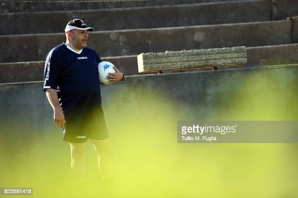 Head coach Bruno Tedino of Palermo leads a training session after the presentation of Giuseppe Bellusci as new player of US Citta' di Palermo at...