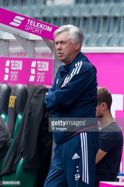 Head coach Carlo Ancelotti of Bayern Muenchen looks on zu n during the Telekom Cup 2017 match between Borussia Moenchengladbach and Werder Bremen at...