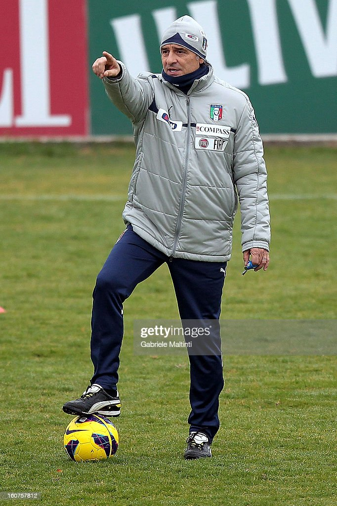 Head coach <a gi-track='captionPersonalityLinkClicked' href=/galleries/search?phrase=Cesare+Prandelli&family=editorial&specificpeople=742442 ng-click='$event.stopPropagation()'>Cesare Prandelli</a> of Italy during at traning session at Coverciano on February 5, 2013 in Florence, Italy.
