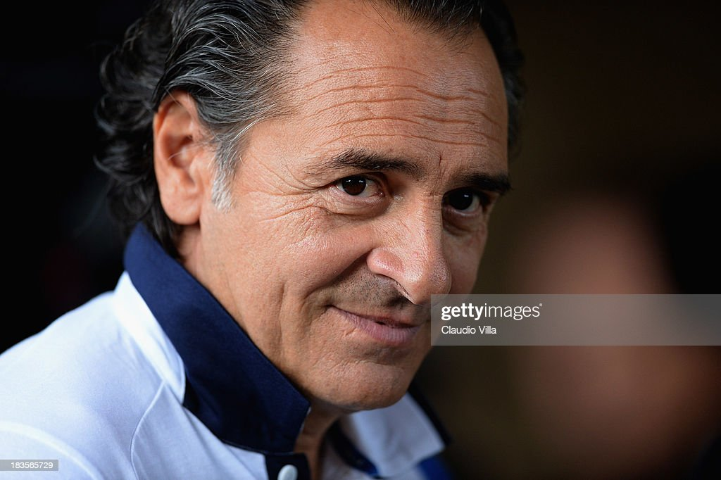 Head coach <a gi-track='captionPersonalityLinkClicked' href=/galleries/search?phrase=Cesare+Prandelli&family=editorial&specificpeople=742442 ng-click='$event.stopPropagation()'>Cesare Prandelli</a> of Italy looks on during a training session at Coverciano on October 7, 2013 in Florence, Italy.