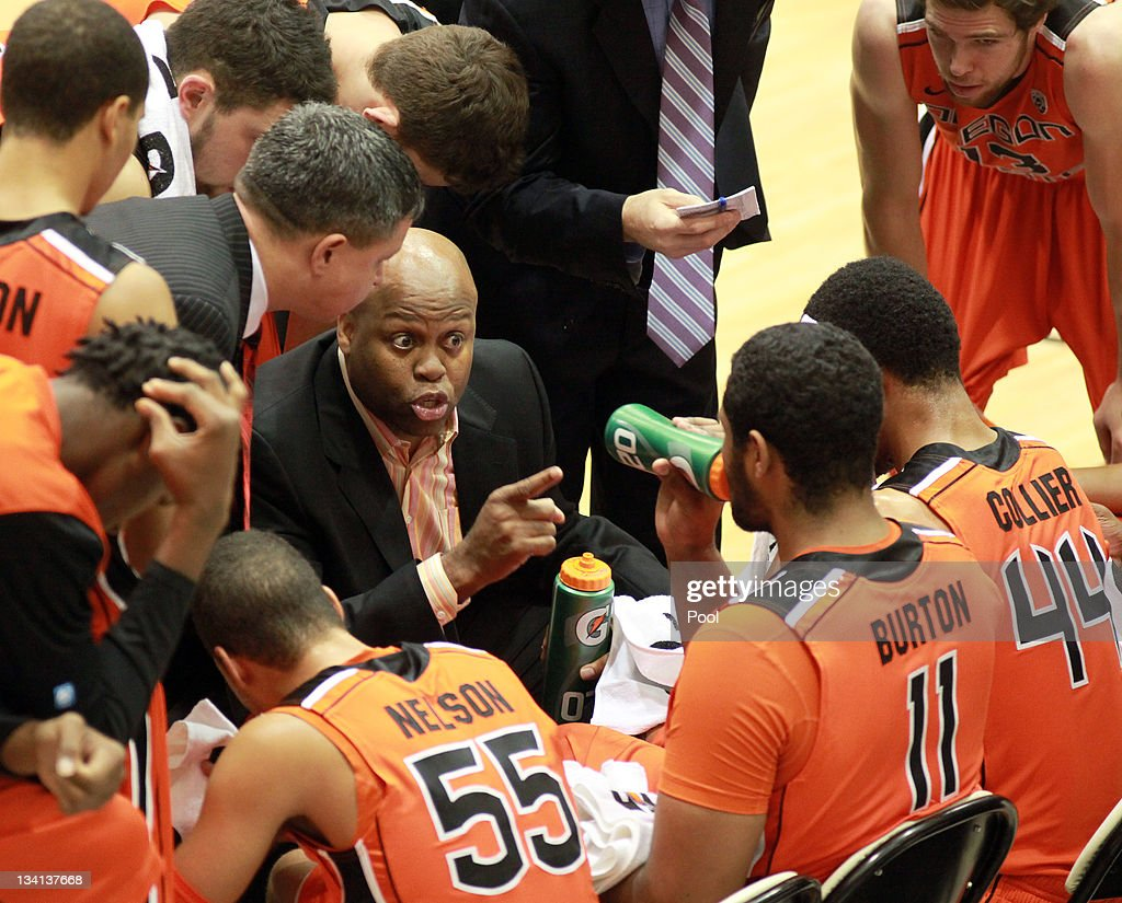 Head Coach Craig Robinson of the Oregon State Beavers speaks to his team during their game against the Towson Tigers at the Towson Center on November...
