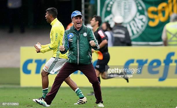 Head coach Cuca of Palmeiras celebrates during the match between Palmeiras and Internacional for the Brazilian Series A 2016 at Allianz Parque on...