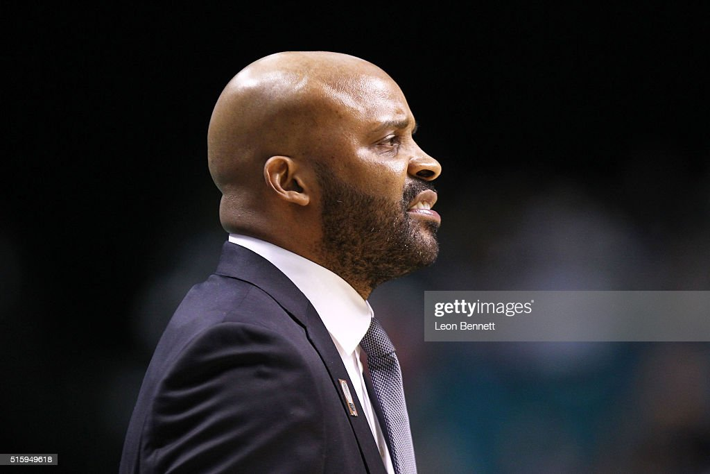 Head Coach <a gi-track='captionPersonalityLinkClicked' href=/galleries/search?phrase=Cuonzo+Martin&family=editorial&specificpeople=3911162 ng-click='$event.stopPropagation()'>Cuonzo Martin</a> of the California Golden Bears directing his team against the Oregon State Beavers during a quarterfinal game of the Pac-12 Basketball Tournament at MGM Grand Garden Arena on March 10, 2016 in Las Vegas, Nevada.