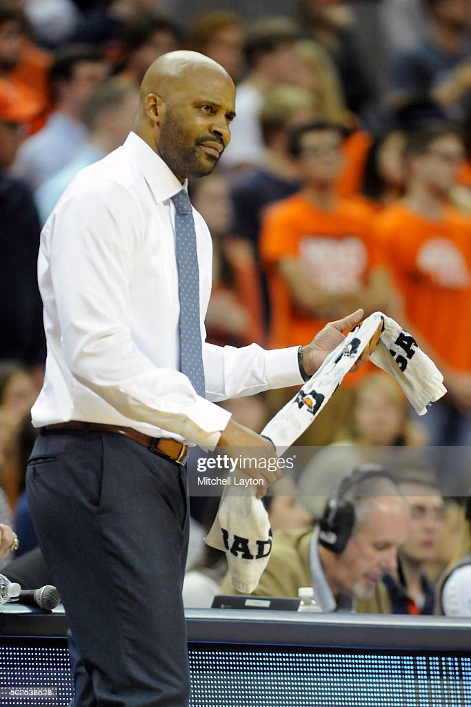Head coach <a gi-track='captionPersonalityLinkClicked' href=/galleries/search?phrase=Cuonzo+Martin&family=editorial&specificpeople=3911162 ng-click='$event.stopPropagation()'>Cuonzo Martin</a> of the California Golden Bears looks on during a college basketball game against the Virginia Cavaliers at John Paul Jones Arena on December 22, 2015 in Charlottesville, Virginia. The Cavaliers won 63-62 in overtime.
