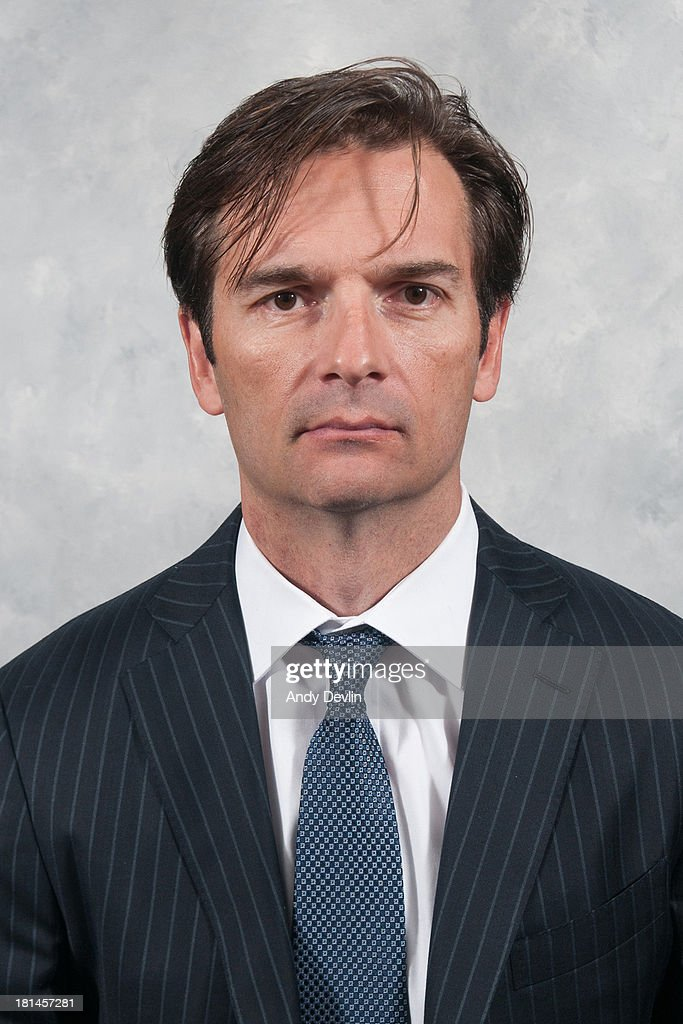 Head coach <a gi-track='captionPersonalityLinkClicked' href=/galleries/search?phrase=Dallas+Eakins&family=editorial&specificpeople=714367 ng-click='$event.stopPropagation()'>Dallas Eakins</a> of the Edmonton Oilers poses for his official headshot for the 2013-2014 NHL season on September 11, 2013 in Edmonton, Alberta, Canada.