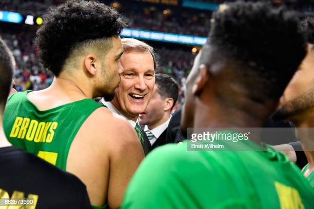 Head coach Dana Altman of the Oregon Ducks encourages his team in a huddle during the 2017 NCAA Men's Final Four Semifinal against the North Carolina...