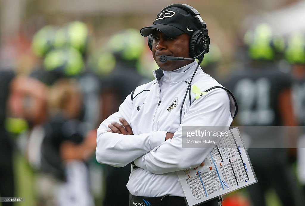Head coach <a gi-track='captionPersonalityLinkClicked' href=/galleries/search?phrase=Darrell+Hazell&family=editorial&specificpeople=7730325 ng-click='$event.stopPropagation()'>Darrell Hazell</a> of the Purdue Boilermakers watches the game against the Bowling Green Falcons at Ross-Ade Stadium on September 26, 2015 in West Lafayette, Indiana.