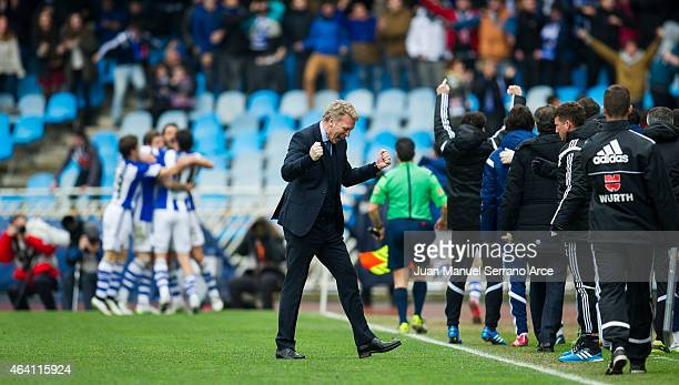 Head coach David Moyes of Real Sociedad reacts during the La Liga match between Real Sociedad and Sevilla FC at Estadio Anoeta on February 22 2015 in...