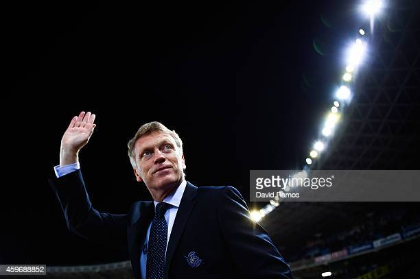 Head coach David Moyes of Real Sociedad waves prior to the La Liga match between Real Socided and Elche FC at Estadio Anoeta on November 28 2014 in...