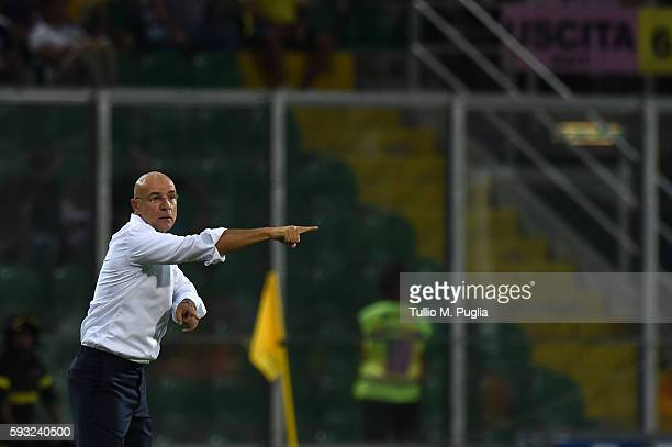 Head Coach Davide Ballardini of Palermo gestures during the Serie A match between US Citta di Palermo and US Sassuolo at Stadio Renzo Barbera on...