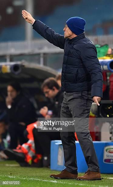 head coach Davide Ballardini of Palermo issues instructions during the Serie A match between UC Sampdoria and US Citta di Palermo at Stadio Luigi...