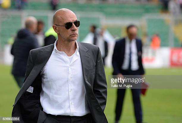 Head coach Davide Ballardini of Palermo looks on during the Serie A match between US Citta di Palermo and UC Sampdoria at Stadio Renzo Barbera on May...