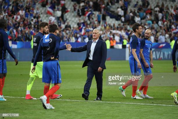 Head coach Didier Deschamps of France celebrates the victory with his players after the International Friendly match between France and England at...