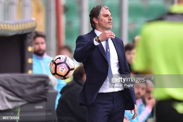 Head coach Diego Lopez of Palermo looks on during the Serie A match between US Citta di Palermo and Cagliari Calcio at Stadio Renzo Barbera on April...