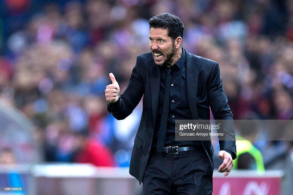 Head coach Diego Pablo Simeone of Atletico de Madrid gives instructions during the La Liga mathc bewteen Club Atletico de Madrid and Real Sporting de Gijon at Vicente Calderon Stadium on November 8, 2015 in Madrid, Spain.