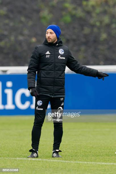 Head coach Domenico Tedesco of Schalke gestures during a training session at the FC Schalke 04 Training center on December 05 2017 in Gelsenkirchen...
