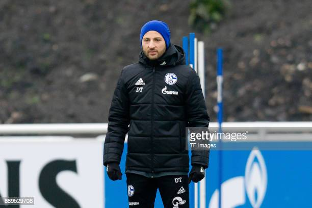 Head coach Domenico Tedesco of Schalke looks on during a training session at the FC Schalke 04 Training center on December 05 2017 in Gelsenkirchen...