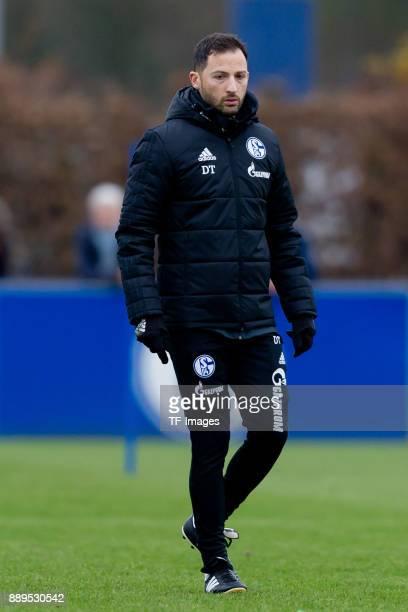 Head coach Domenico Tedesco of Schalke looks on during a training session at the FC Schalke 04 Training center on December 06 2017 in Gelsenkirchen...