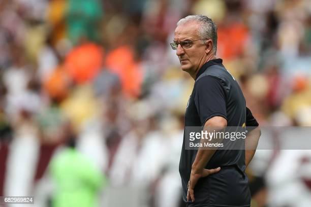 Head coach Dorival Junior of Santos looks on during a match between Fluminense and Santos as part of Brasileirao Series A 2017 at Maracana Stadium on...