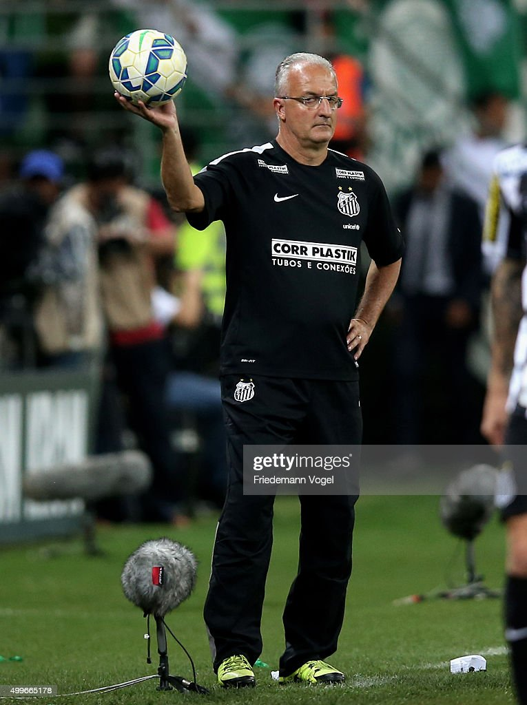 Head coach Dorival Junior of Santos looks on during the match between Palmeiras and Santos for the Copa do Brasil 2015 Final at Allianz Parque on...