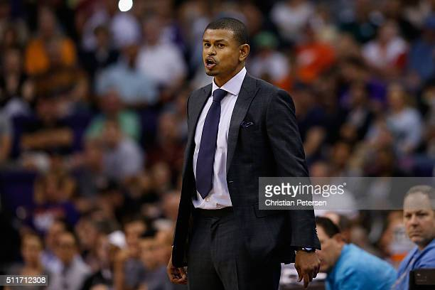Head coach Earl Watson of the Phoenix Suns during the first half of the NBA game against the San Antonio Spurs at Talking Stick Resort Arena on...