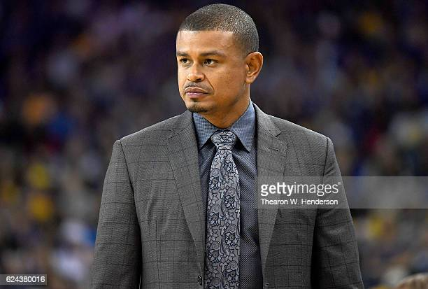 Head coach Earl Watson of the Phoenix Suns looks on against the Golden State Warriors during an NBA basketball game at ORACLE Arena on November 13...