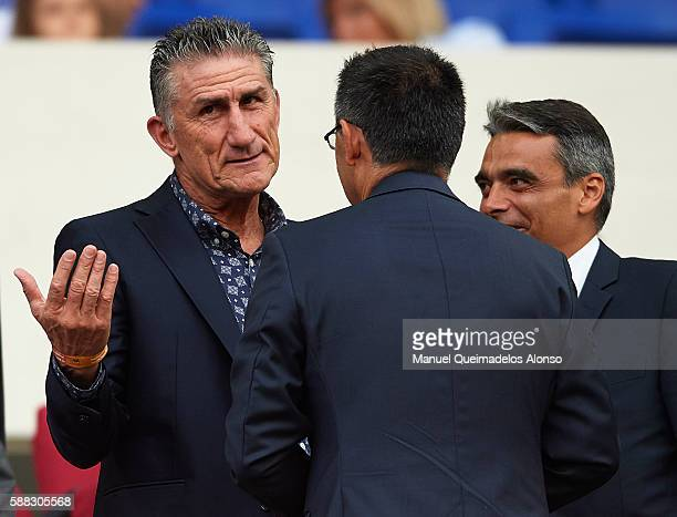 Head Coach Edgardo Bauza of Argentina National Team speaks to President Josep Maria Bartomeu of FC Barcelona ahead of the Joan Gamper trophy match...