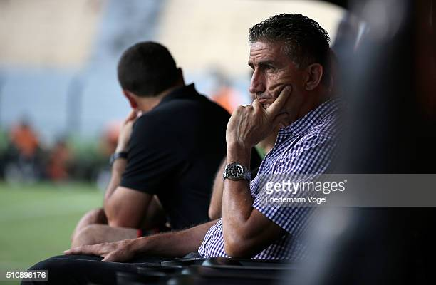 Head coach Edgardo Bauza of Sao Paulo looks on during a match between Sao Paulo v The Strongest as part of Group 1 of Copa Bridgestone Libertadores...