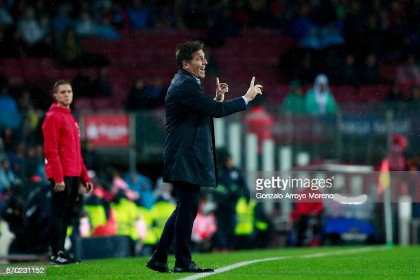 Head coach Eduardo Berizzo of Sevilla FC gives instructions during the La Liga match between FC Barcelona and Sevilla FC at Camp Nou stadium on...