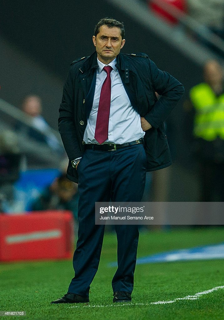 Head coach <a gi-track='captionPersonalityLinkClicked' href=/galleries/search?phrase=Ernesto+Valverde&family=editorial&specificpeople=2498803 ng-click='$event.stopPropagation()'>Ernesto Valverde</a> of Athletic Club Bilbao reacts during the La Liga match between Athletic Club Bilbao and UD Almeria at San Mames Stadium on January 11, 2014 in Bilbao, Spain.