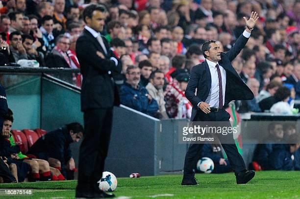 Head coach Ernesto Valverde of Athletic Club gives instructions during the La Liga match between Athletic Club and RC Celta de Vigo at San Mames...