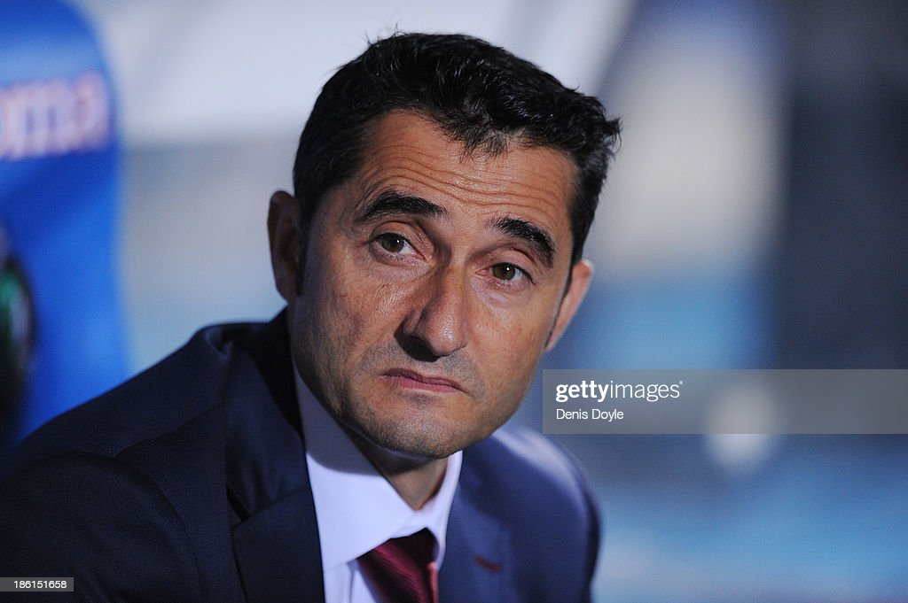 Head coach <a gi-track='captionPersonalityLinkClicked' href=/galleries/search?phrase=Ernesto+Valverde&family=editorial&specificpeople=2498803 ng-click='$event.stopPropagation()'>Ernesto Valverde</a> of Athletic Club looks on during the La Liga match between Getafe CF and Athletic Club at Coliseum Alfonso Perez stadium on October 28, 2013 in Getafe, Spain.