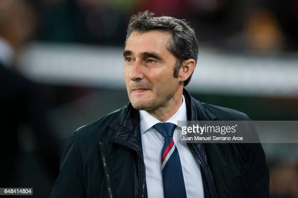 Head coach Ernesto Valverde of Athletic Club looks on prior to the start the La Liga match between Athletic Club Bilbao and Malaga CF at San Mames...
